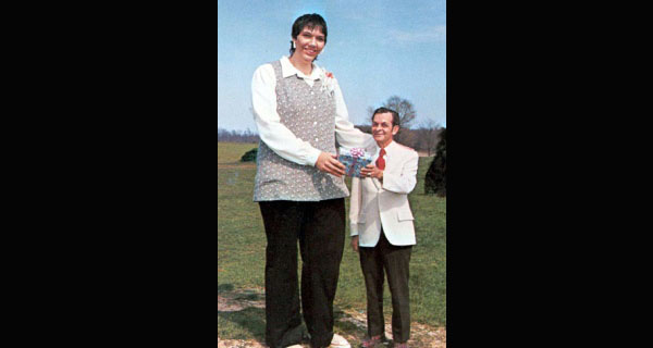 Top 10 Tallest Women Ever Lived on Earth (Verified)