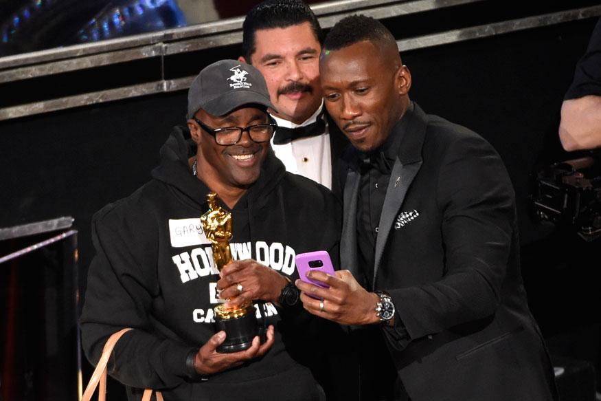 Tourists Visit The Award Show is among Incredible 10 Oscar 2017 Moments