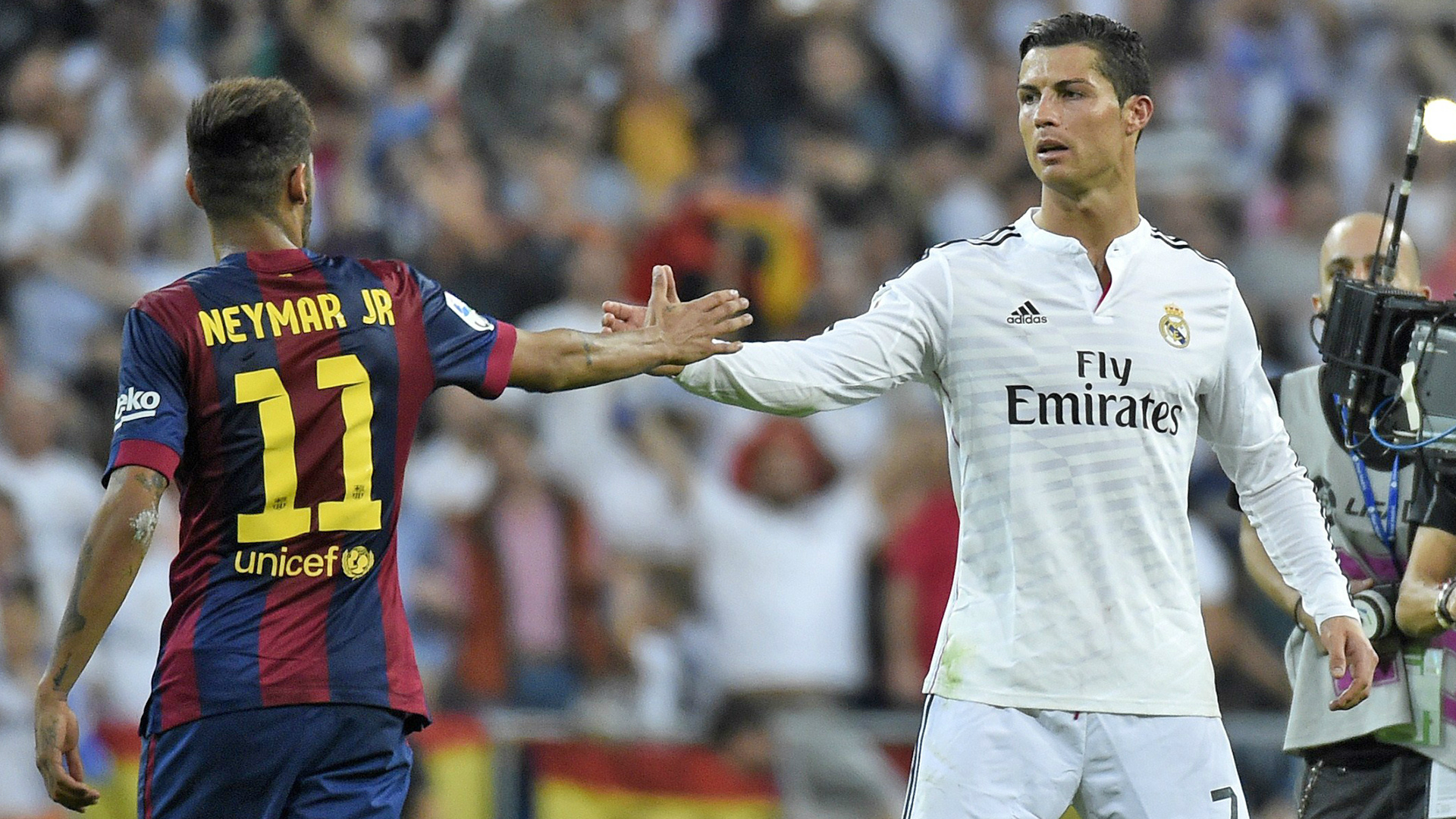 cf4f472fcb42 Magical Display of Skills - Cristiano Ronaldo vs Neymar Jr  Video
